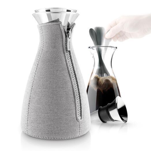 Кофейник cafe solo в неопреновом текстурном чехле 1 л светло-серый  Eva Solo 567669