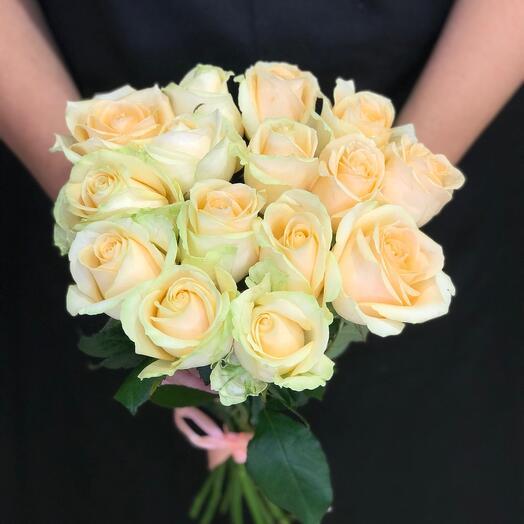 15 cream roses 50 cm