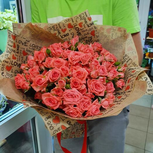 27 кустовых роз