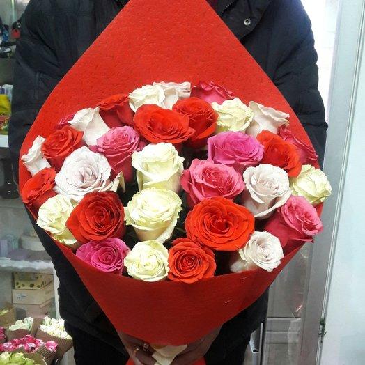 31 роза микс Эквадор