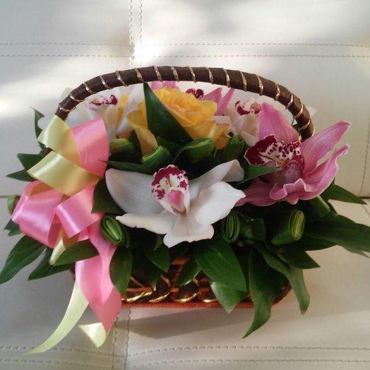 Корзиночка орхидей: букеты цветов на заказ Flowwow