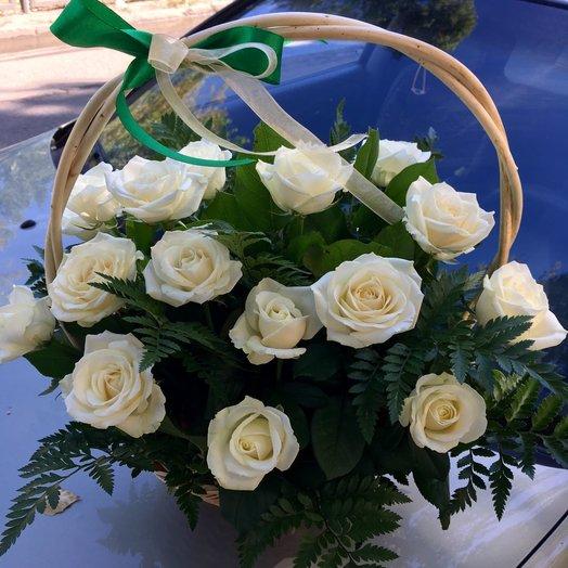 """Корзина с розами """"Приятный подарок"""""""
