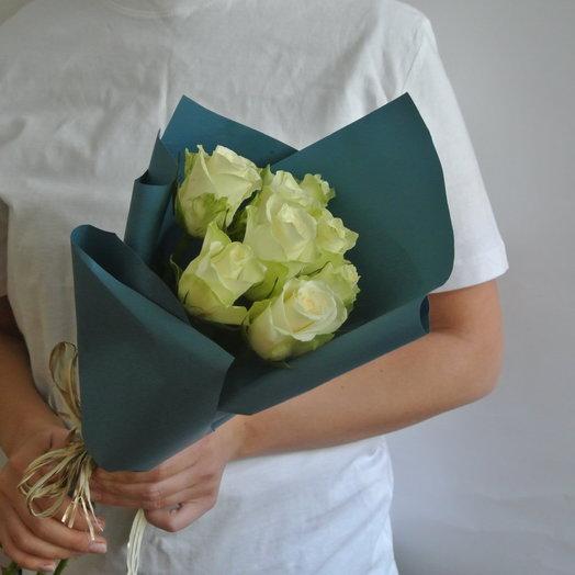Букет из 11 белых кенийская роза: букеты цветов на заказ Flowwow