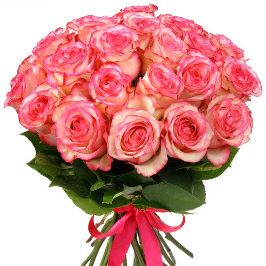 Букет из 25 бело-розовых эквадорских роз: букеты цветов на заказ Flowwow
