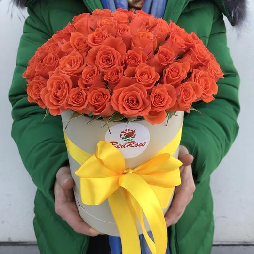19 веточек кустовых роз в шляпной коробочке: букеты цветов на заказ Flowwow