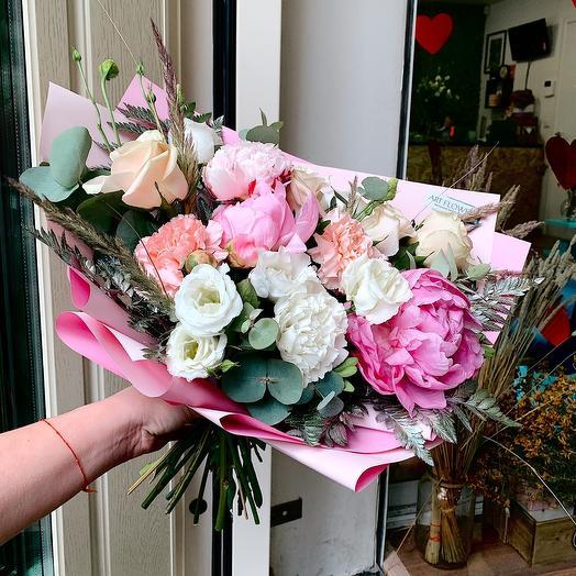 Слабость девушек: букеты цветов на заказ Flowwow