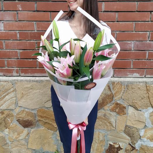 Ароматные лилии: букеты цветов на заказ Flowwow