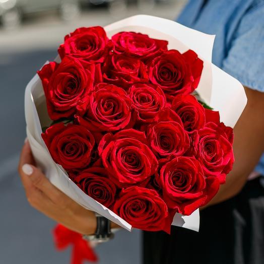 Букет из 15 красных роз 60 см