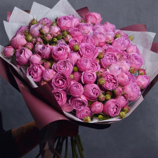 Пионовидные французские розы