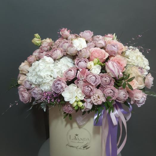 Цветы в коробке 203
