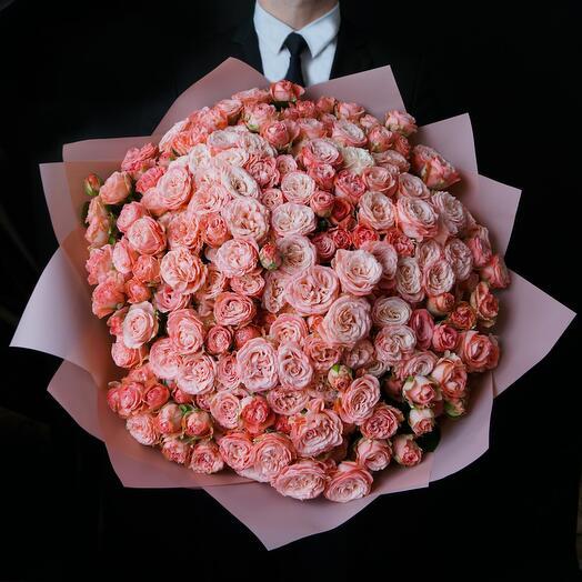 Букет из 51 розы Madam Bombastic