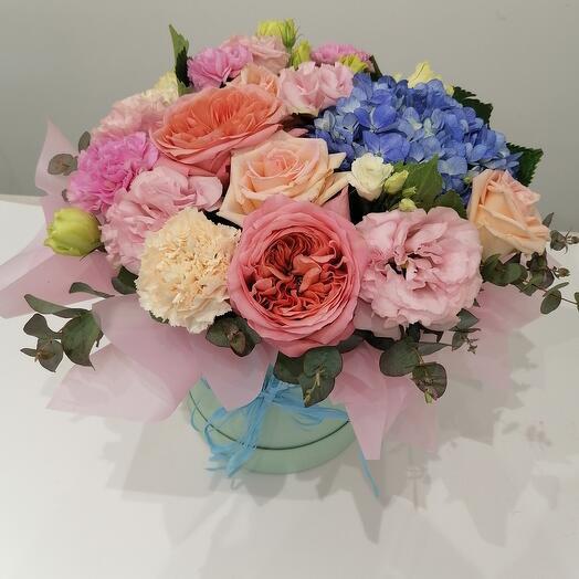 """Цветы в коробке """" Амальфи"""" 🥰"""