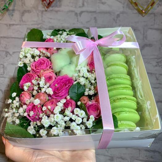 Flowers and 8 macaroni