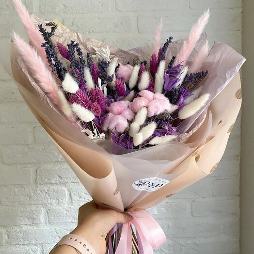 Букет из сухоцветов в розово-сиреневой гамме