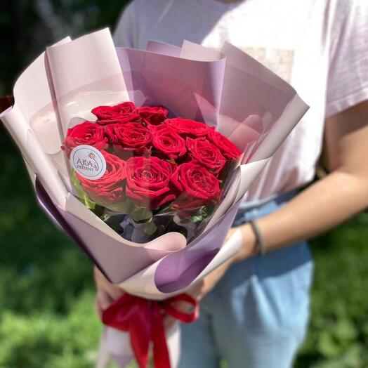 Авторский букет из 11 красных роз