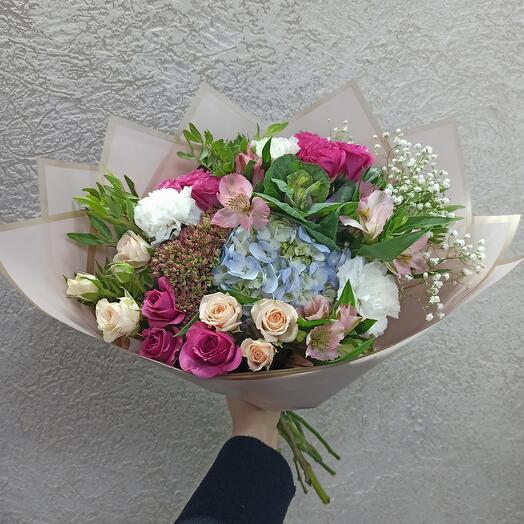 Шикарный букет с ассорти цветов