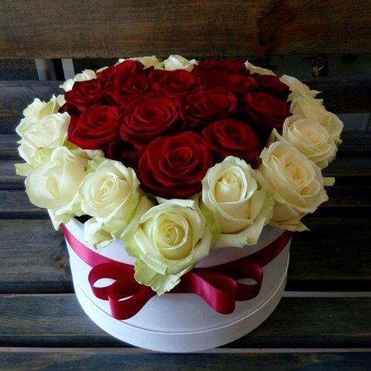 Коробка сердце из роз: букеты цветов на заказ Flowwow