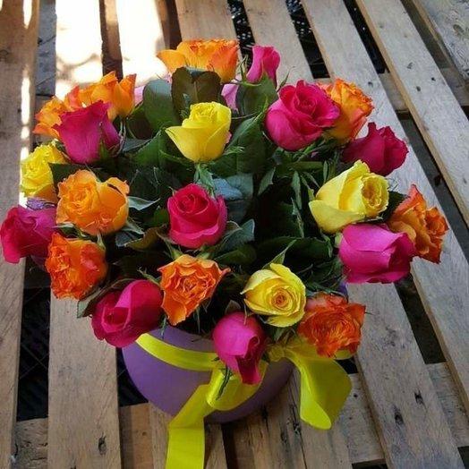 25 роз Микс в коробочке: букеты цветов на заказ Flowwow