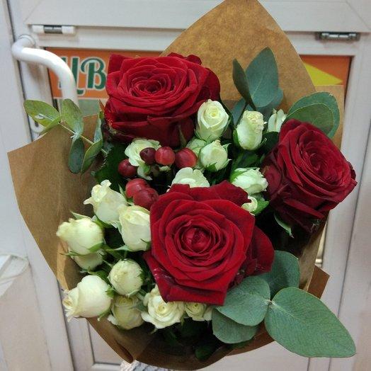Небольшой букет роз: букеты цветов на заказ Flowwow