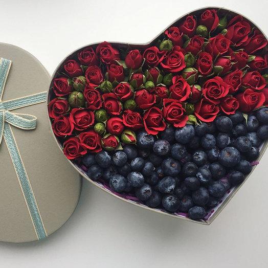 Ягодно-Цветочная композиция: букеты цветов на заказ Flowwow