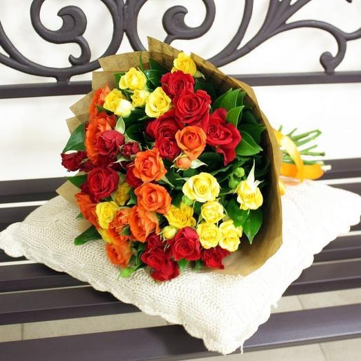 11 кустовых роз МИКС: букеты цветов на заказ Flowwow