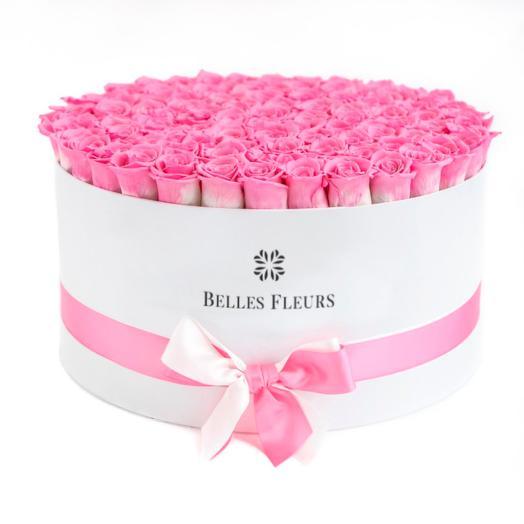 Букет вечных розовых роз в шляпной коробке: букеты цветов на заказ Flowwow