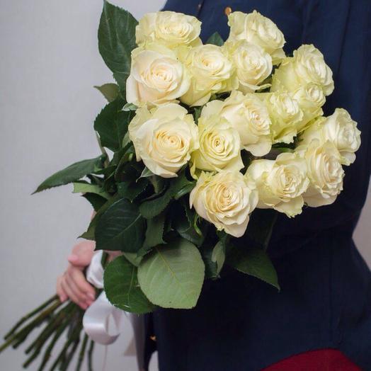 15 белых роз: букеты цветов на заказ Flowwow