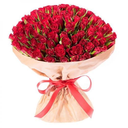 101 красная роза в крафте (Кения): букеты цветов на заказ Flowwow