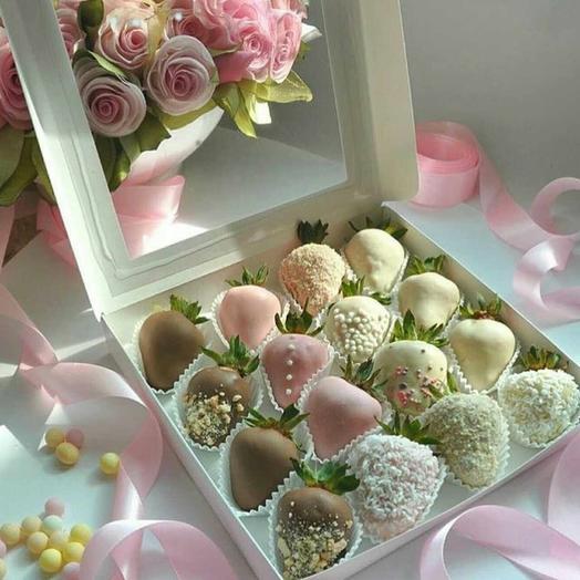 """Клубника в шоколаде """"Нежность"""": букеты цветов на заказ Flowwow"""