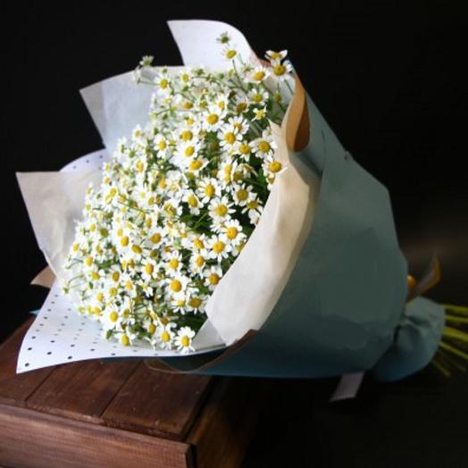 Букет с ромашками: букеты цветов на заказ Flowwow