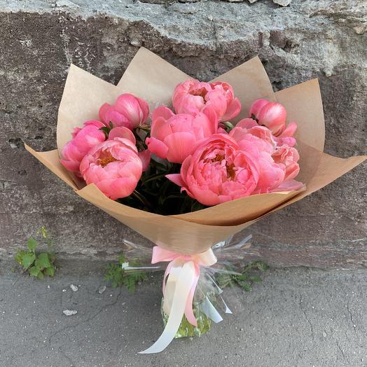 Кораллы в крафте: букеты цветов на заказ Flowwow