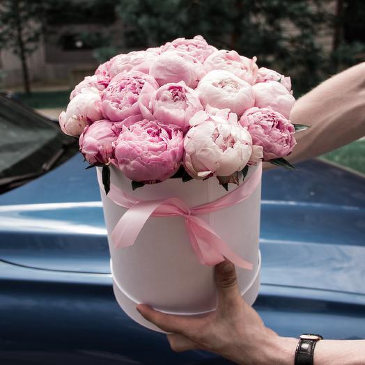 21 розовый пион в коробке: букеты цветов на заказ Flowwow