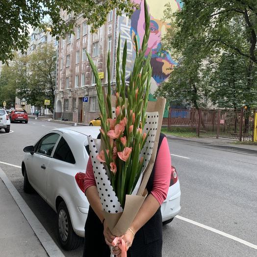 Букет гладиолус: букеты цветов на заказ Flowwow