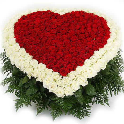 """Огромный букет роз """"Пылающее сердце"""": букеты цветов на заказ Flowwow"""