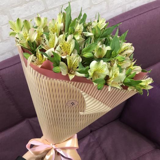 Милые альстромерии: букеты цветов на заказ Flowwow