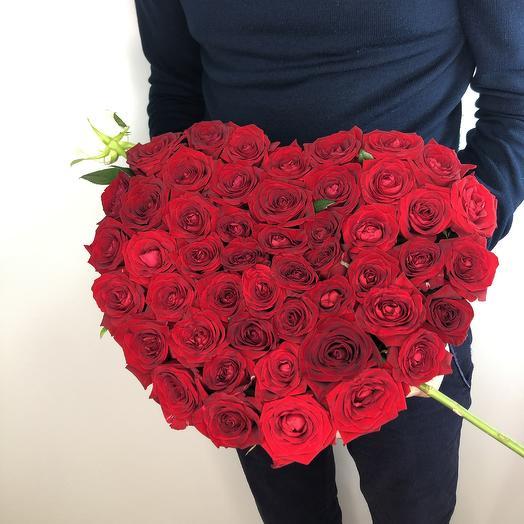 51 роза сердце в коробке: букеты цветов на заказ Flowwow
