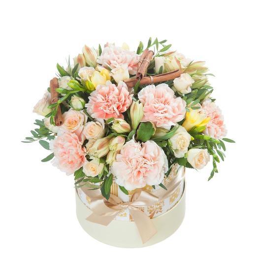 Нежная коробочка с цветами и корицей
