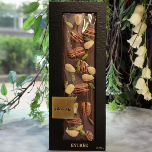 Шоколад ручной работы с сицилийским миндалем, орехом пекан и фисташка и Бронте: букеты цветов на заказ Flowwow
