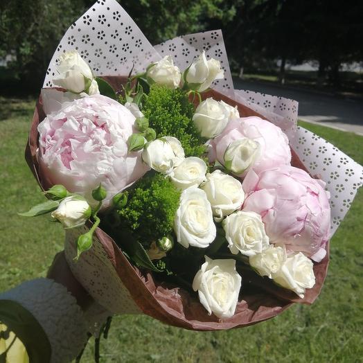 Воздушное облако из пионов: букеты цветов на заказ Flowwow