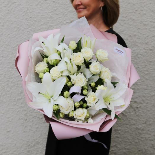 Букет Лилий и Кустовых Роз