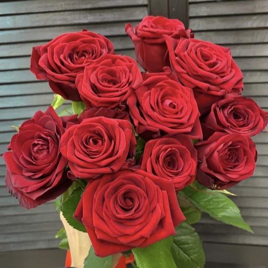 11 голландских роз 60 см