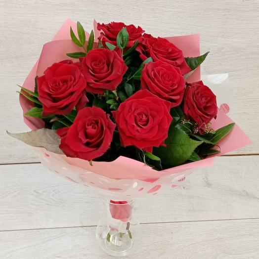 Букет 9  красных роз