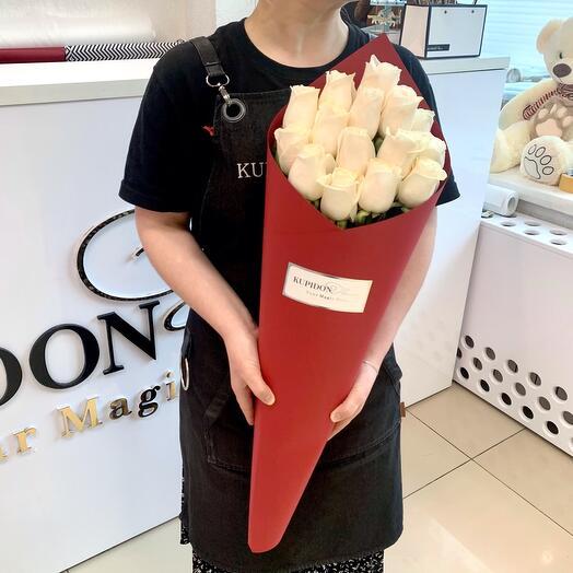 Конус «Бордо» на 15 роз