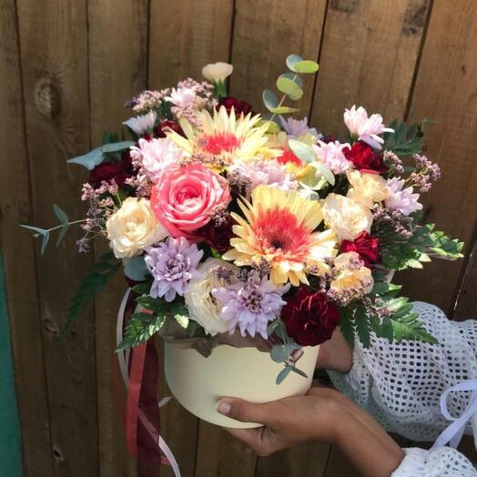 """Цветы в коробке """"Праздничное настроение"""""""
