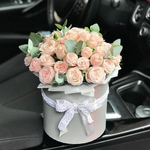 Пионовидные розы Бомбастик