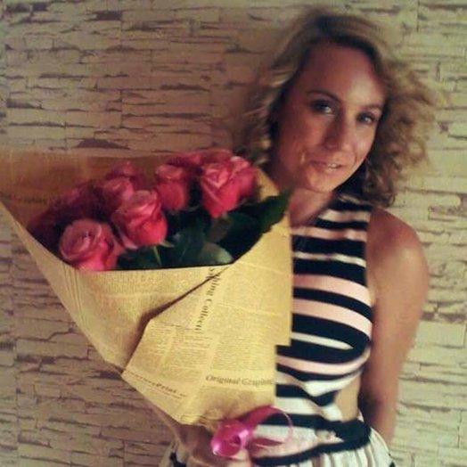 Очаровательный букет из 15 местных роз