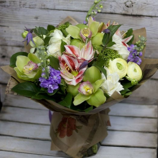 Зеленое яблоко: букеты цветов на заказ Flowwow