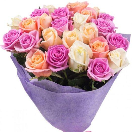 Букет из 25 нежных роз: букеты цветов на заказ Flowwow