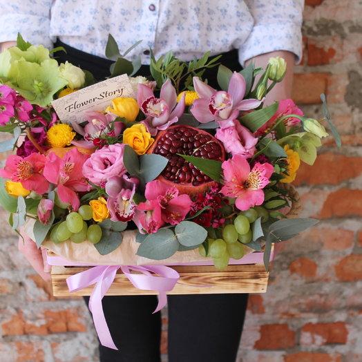 Фруктово-цветочная корзина: букеты цветов на заказ Flowwow