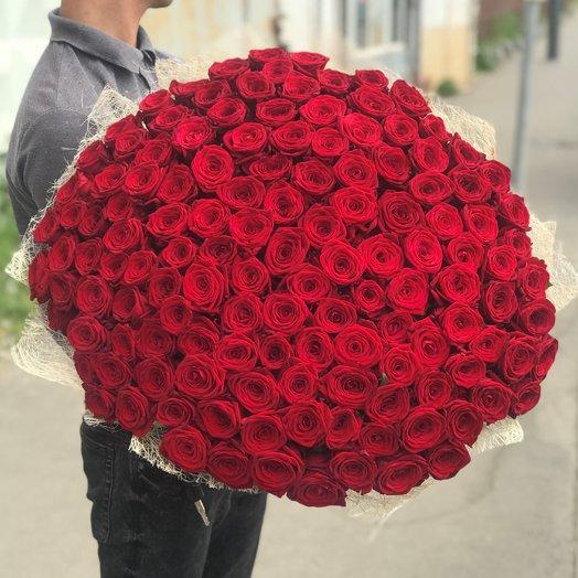 Букет из 151 красной местной розы 60 см: букеты цветов на заказ Flowwow